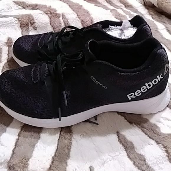 d80de60feb3 Reebok Gym Shoes For Women - Size 7 1/2